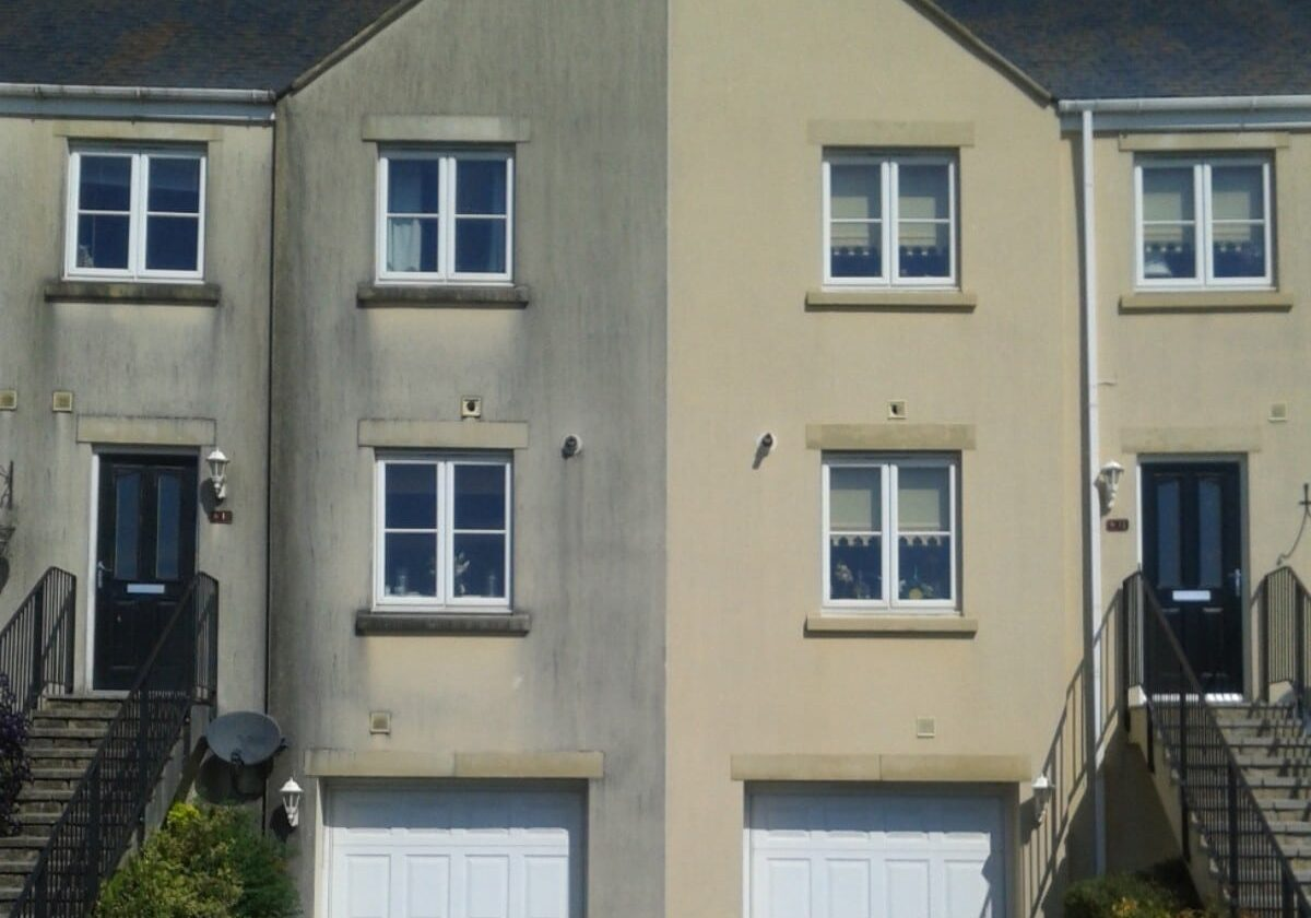 domestic wall and render cleaning services
